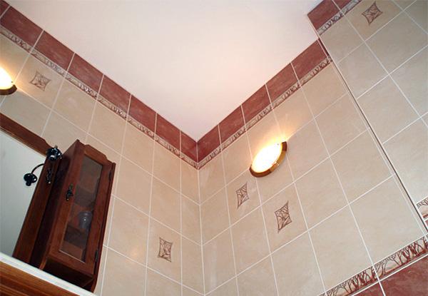 Badkamer Plafond Witten : Wat is het beste plafond in het bad hoe een plafond in de